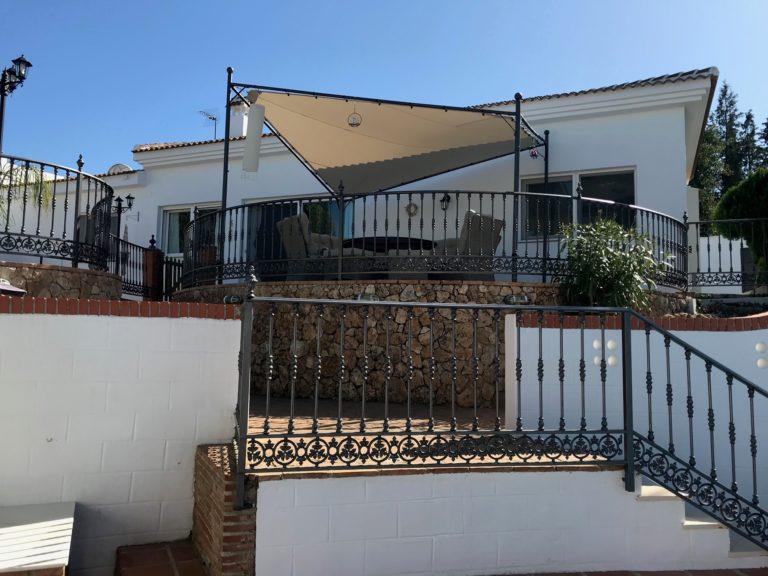 Casa Esther uitzicht terras vanaf zwembad -23-